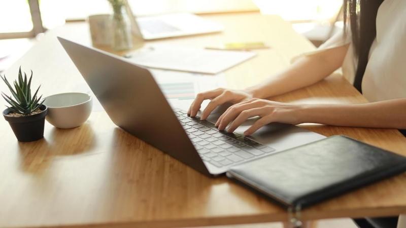 پنج کسب و کار آنلاین که هر کسی می تواند شروع کند