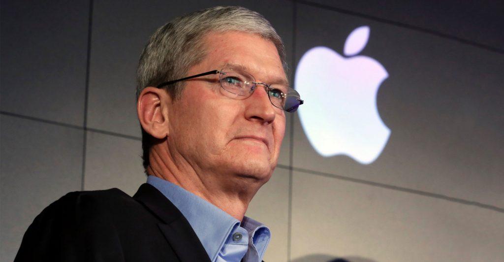 """معرفی کتاب """"تیم کوک: نابغهای که اپل را یک پله بالاتر برد"""""""